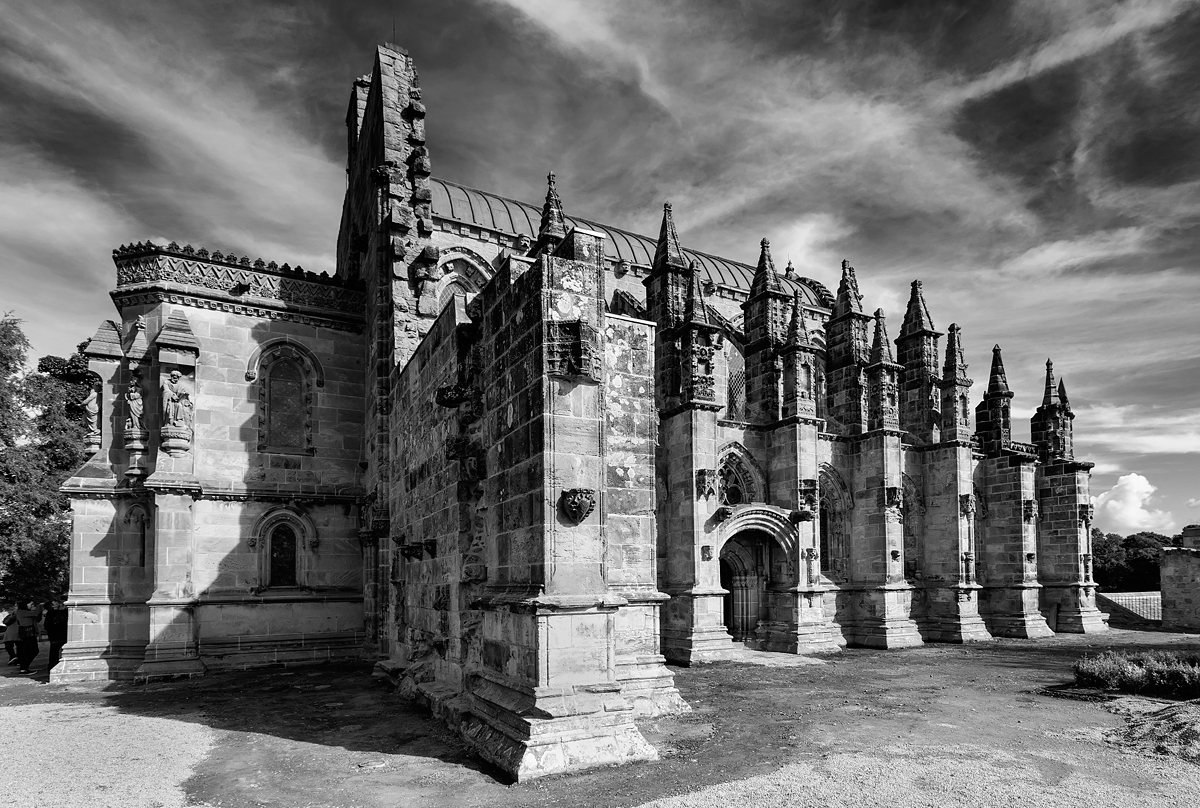 The amazing chapel of rosslyn located near edinburgh made famous by